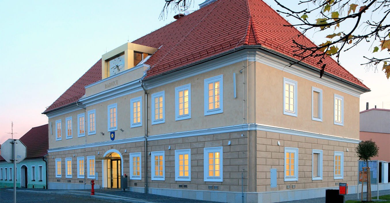 Radnice-Kardasova-Recice-reference_01a