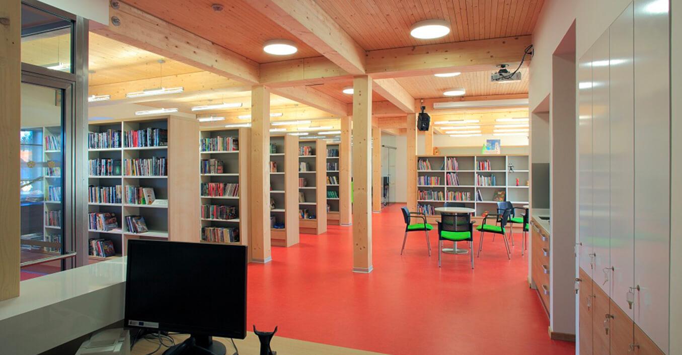 Radnice a knihovna Kardašova Řečice